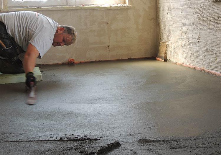 Estrich Firma Markgräflerland bei Freiburg Dischinger Fußbodenbau in Aktion