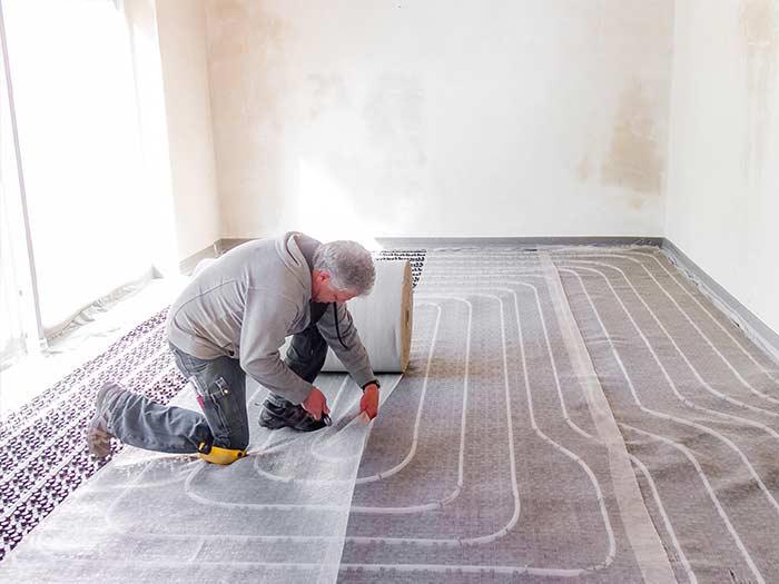 Estrich Experten im Markgräflerland bei Freiburg Dischinger Fußbodenbau Isolierung in Aktion