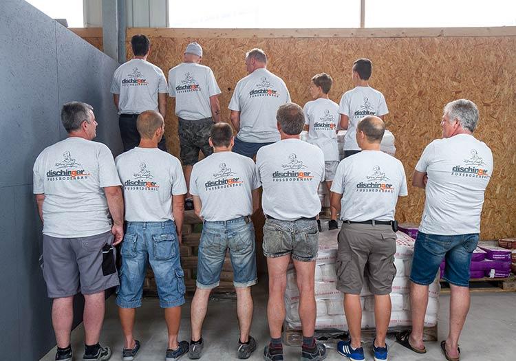 Estrichexperten im Markgräflerland bei Freiburg Dischinger Fußbodenbau Team Bild in Aktion